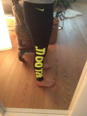 Nike Traininghose Größe S
