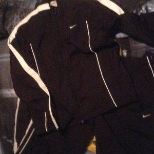 Nike Trainingsanzug schwarz weiß