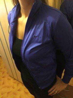 Nike Trainingsjacke in lila, wie neu !!