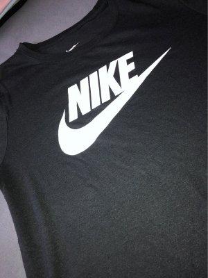 Nike Tshirt !!