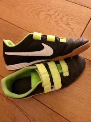 Nike Turnschuh mit Klettverschluss Größe 37,5