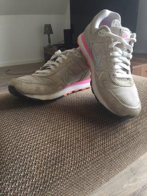 Nike Lace-Up Sneaker beige-pink