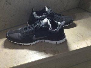 Nike Turnschuhe schwarz Größe 38