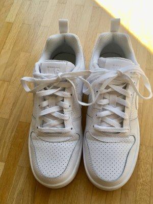 Nike Basket à lacet blanc cuir
