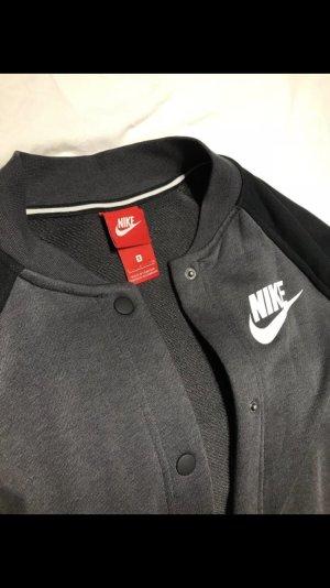 Nike übergangsjacke S