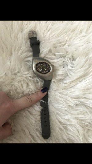 Nike Uhr