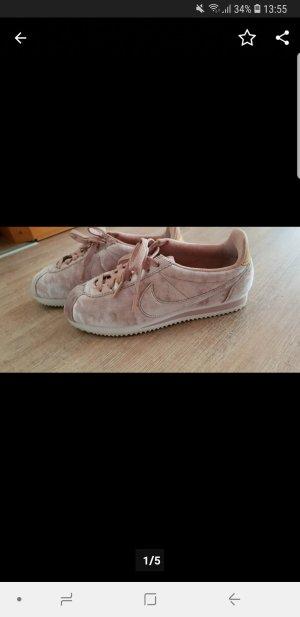 Nike Velvet Cortez, Sneaker in Samt Rosa
