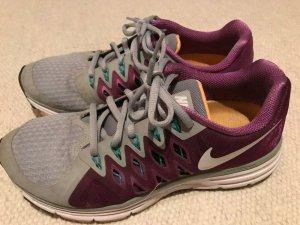 Nike Vomero 9 Sneakers