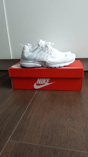 Nike W Air Presto 38 Sneaker weiß/platinum
