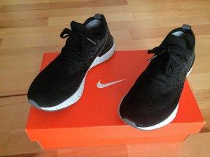 Nike W Air Zoom Fearless Flyknit