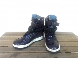 Nike W SF AF 1 Gr. 38 + Tasche Limited Edition Air Force One High Top Sneaker Aubergine L
