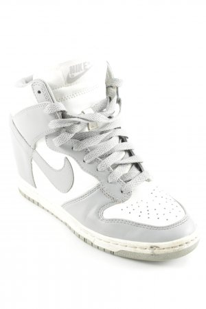 Nike Wedge Sneaker mehrfarbig sportlicher Stil