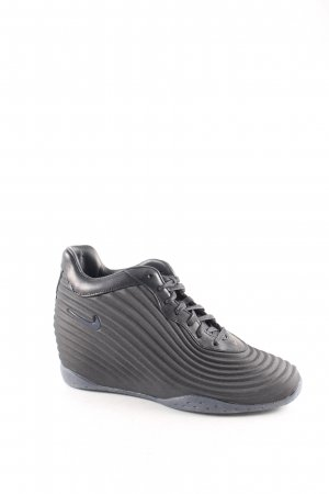 Nike Wedge Sneaker schwarz extravaganter Stil
