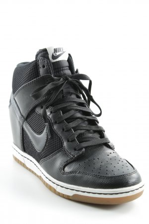 Nike Wedge Sneaker schwarz-weiß Casual-Look