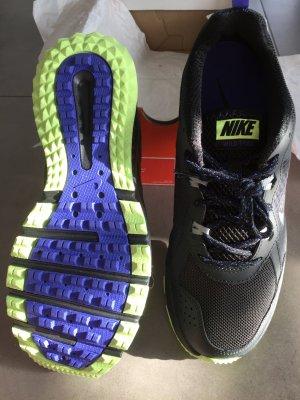 Nike Wild Trail Sneakers Gr. 42, Neu und Original verpackt