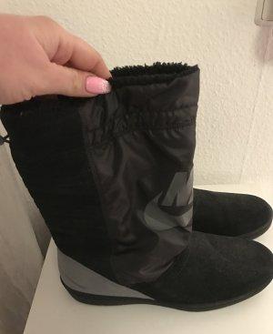 Nike Winter Boots neu ungetragen und Mega bequem
