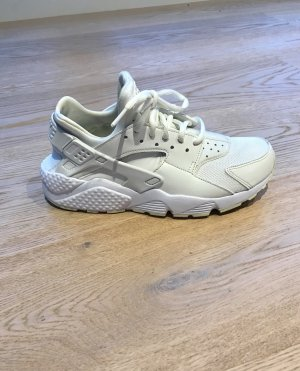 Nike Wmns Air Huarache Run weiß beige (Sail / Fossil / White)