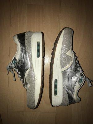 Nike WMNS Air Max 1 PRM  Metallic Silber