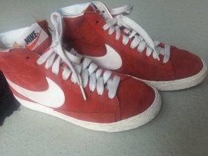 Nike WMNS Blazer suede