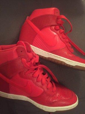 Nike Wmns Dunk Sky Hi 528899-603