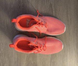 Nike WMNS Roshe