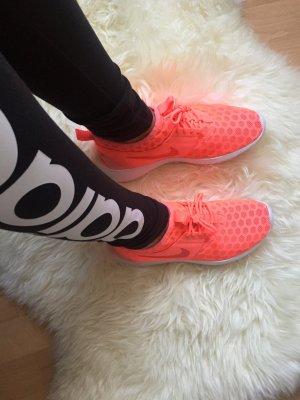 Nike Wnms in der Größe 39