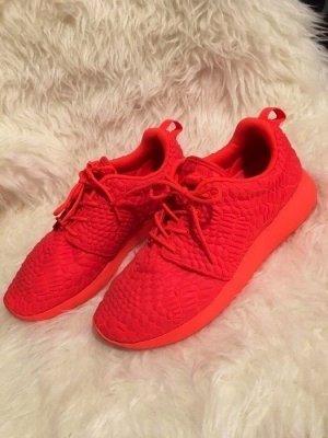 Nike Womans Roshe One Dmb - eigentich ganz nice die Schuhe... aber rot halt