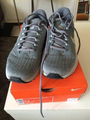 Nike Zoom vomero 13 (N)