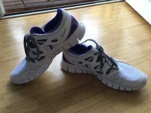 NIKEiD Schuhe in weiß/lila, Größe 39