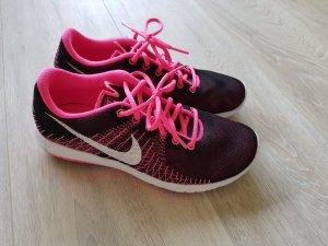 Nikes Größe 36,5/37, schwarz-pink, leicht und luftig