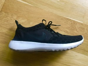 Nikes- Nur einmal getragen