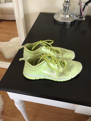 Nikes sehr günstig!!!