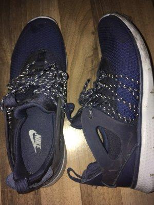 Nile Sneaker, EU 40.5