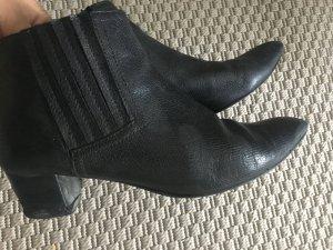 Nine west Chelsea boots