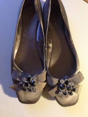 Nine West Satin Ballerinas Silbergrau top Zustand