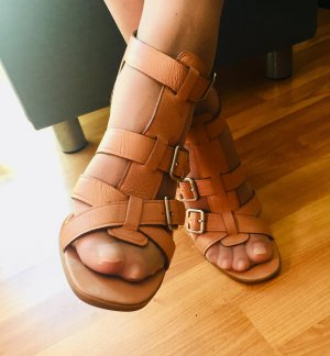 Nine West Strappy Sandale
