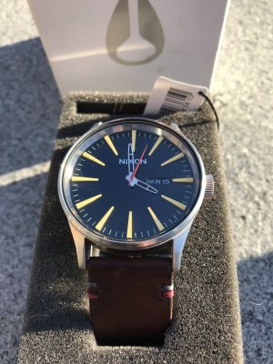 NIXON - The Sentry Leather Uhr