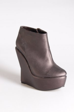 NLY Platform Booties brown red
