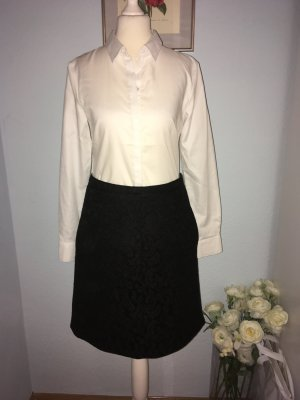No. 21 Falda de encaje negro