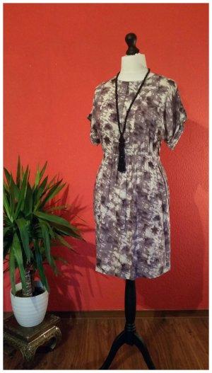 Noa Noa Kleid S (eher M) 38 100% Viscose flieder lila creme mit Taschen kurzarm