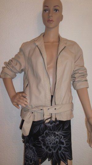 Nochmals reduziert!!! Supertolle Jacke aus Lederimitat mit Gürtel und Stehkragen