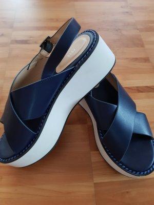 Sandalias de tacón con plataforma azul oscuro