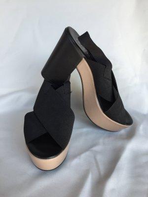 Sandalo alto con plateau nero-beige