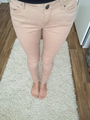 Nude Creme Röhrenjeans
