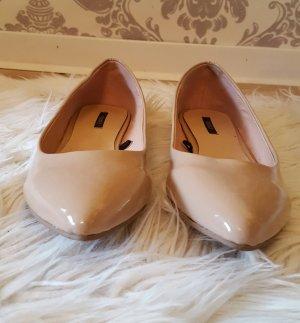 Nude farbene spitze Ballerinas