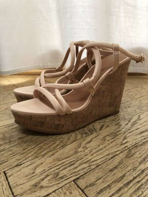 Nude farbene Wedges