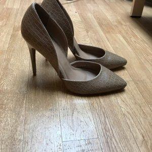 Nude Neue Schuhe, Gr. 38