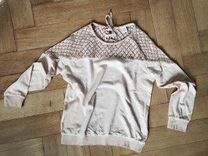 Nude/Roséfarbener Sweater mit Häkelspitze. Neu.