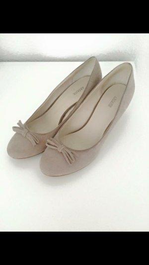 Nudefarbende Schuhe Gr.40