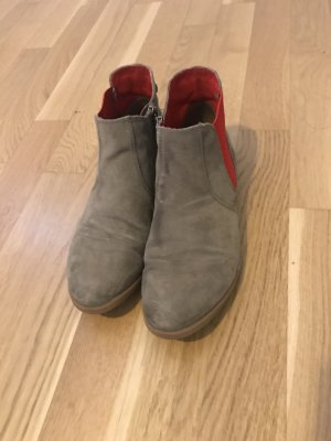 s.Oliver Chelsea Boots camel-red